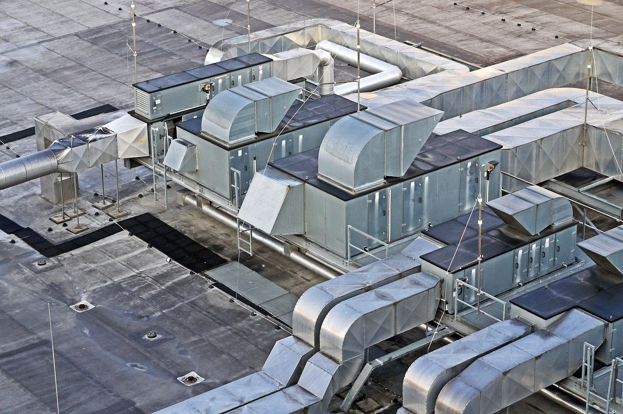 The Pros and Cons of Having HVAC Units on Flat Roofs