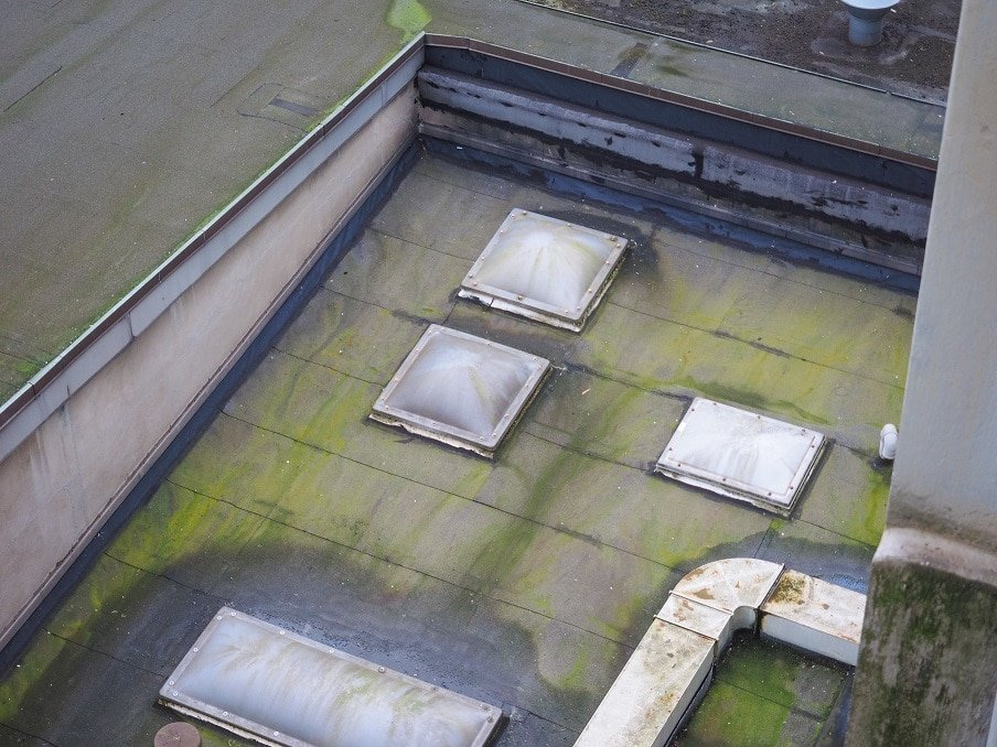 Draining-Water-from-a-Flat-Roof.